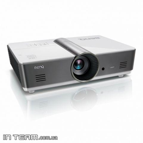 купить ультракороткофокусный проектор Benq